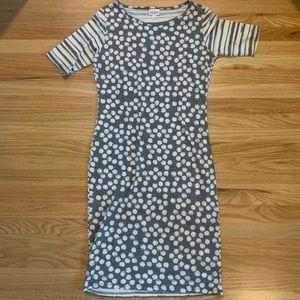 Super comfy LuLaRoe Julia dress